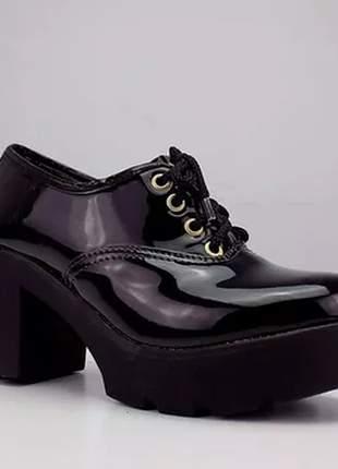 Sapato oxford tratorada