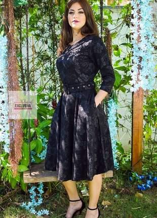 Vestido midi godê preto