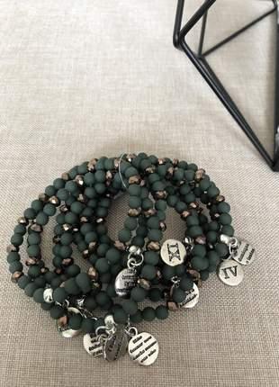 Conjunto pulseiras em esferas