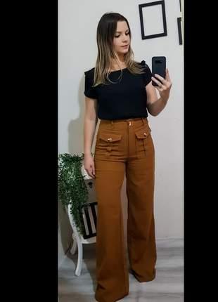 Calça marron com bolso