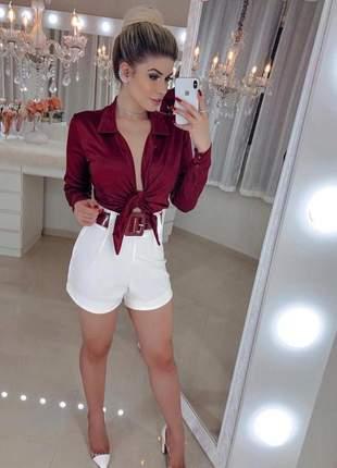 Conjunto feminino bory cetim com amarração + shorts alfaiataria com cinto