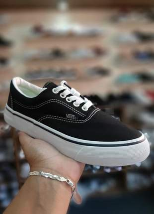 Vans authentic preto com branco