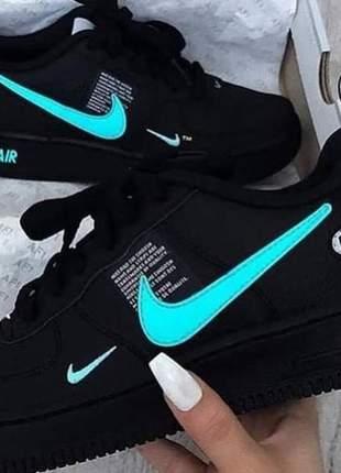 Nike air force preto com verde