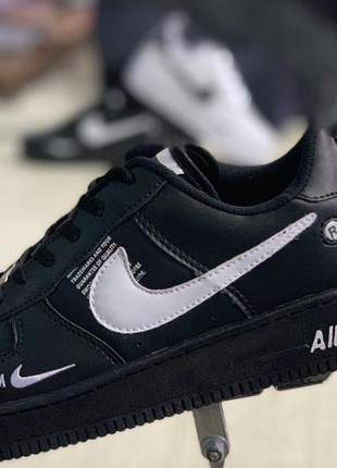 Nike air force preto com branco