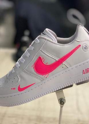 Nike air force branco com rosa