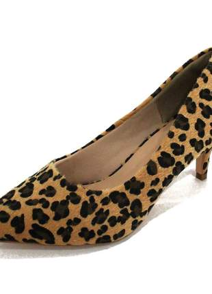 Scarpin dalí shoes bico fino salto fino baixo animal print oncinha