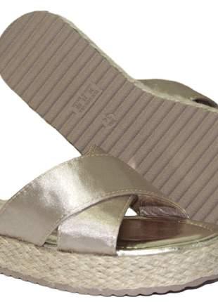 Sandália feminina dourada tamanco anabela corda