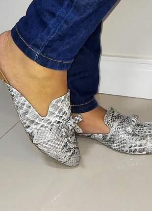 Mule rasteira sapatilha feminina bico fino animal print cobra