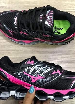 Mizuno wave 8 preto com rosa