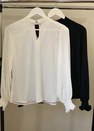 Camisa blusa feminina social manga longa detalhe punho preto