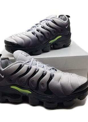 7dbf0f7ad6f94 Tênis Nike Vapormax Plus feminino - compre online, ótimos preços | Shafa
