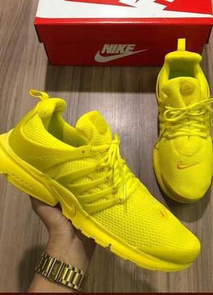 Tênis nike air presto amarelo