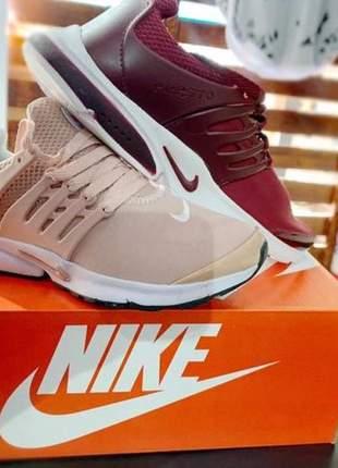 Nike presto vinho e nude