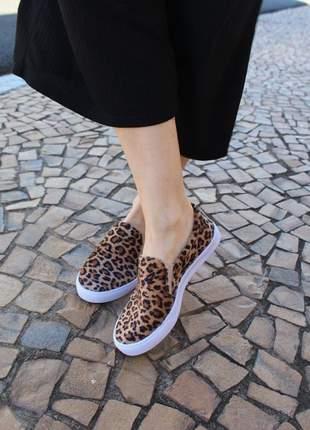 Tênis feminino sapatilha slip on onça oncinha animal print