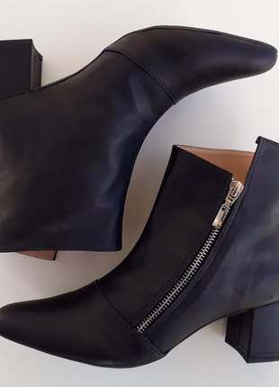 Bota feminina couro legítimo preta salto médio