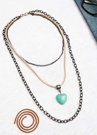 Mix de colares estilo hippie chic com pedra semipreciosa de turquesa