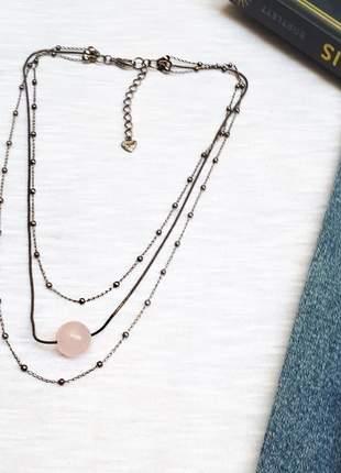 Colar estilo boho chic com pingente de cristal de quartzo rosa