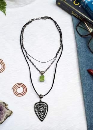 Mix de colares estilo boho chic de pedra natural de jadelita