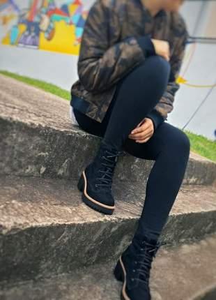 Bota feminina coturno camurça preto tratorado