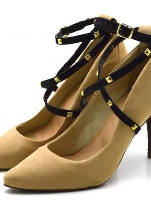 Sapato scarpin salto alto com alças em nobucado nude