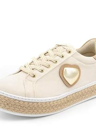 Tênis casual tecido creme sola alta corda detalhe coração dourado