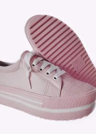 Tênis feminino rosa tratorado