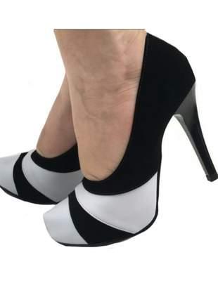 Scarpin meia pata preto/branco