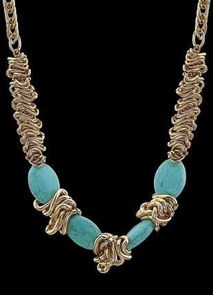 Colar com pedra natural turquesa azul