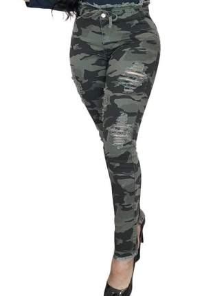 Calça jeans camuflada rasgada super skinny