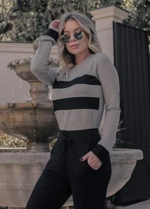 Conjunto blusa e calça divo