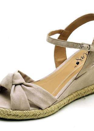 Sandália anabela feminina nó nude salto baixo corda