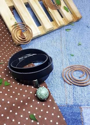 Pulseira de couro estilo hippie chic com pedra natural de turquesa