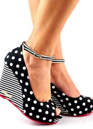 Sandália feminina anabela salto alto poá