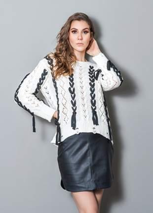Blusa tricô fitas trançadas branco preto iozi