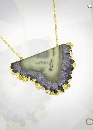 Belíssimo colar de pedra bruta folhado a ouro 18k