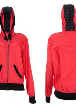 Jaqueta corta vento com toca fitness fashion, rosa e vermelho.