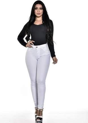 Calça jeans feminina branca levanta bumbum cós alto