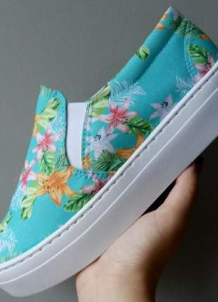 Tênis slip on flatform floral