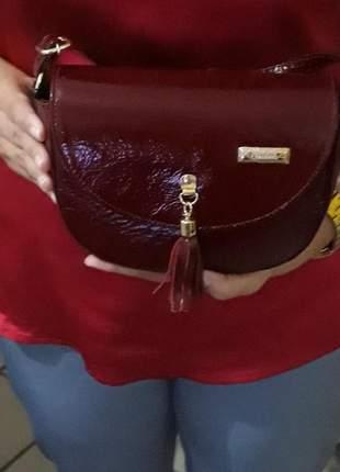 Bolsa tiracolo em couro legítimo em lindo design