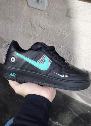Nike air force preto com verde