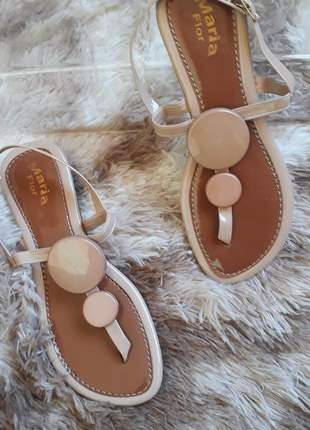 Sandalia rasteira nude