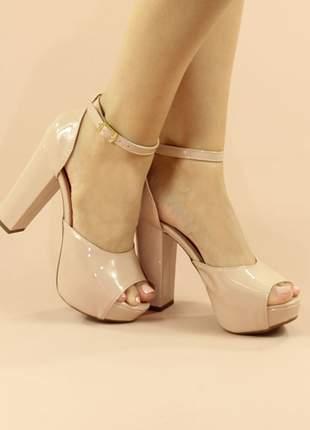 Sandália meia pata salto grosso