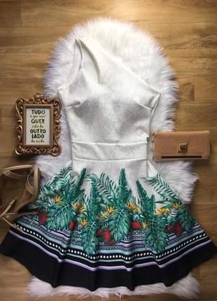 Vestido evasê uma alça