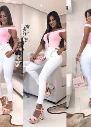 Calça com cinto branca color linda modeladora