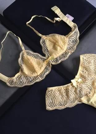 Conjunto de calcinha e sutiã amarelo