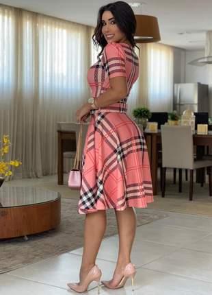 Vestido midi xadrez com cinto