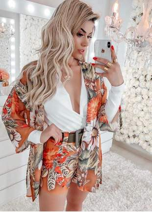 Conjunto kimono e shorts alfaiataria com cinto