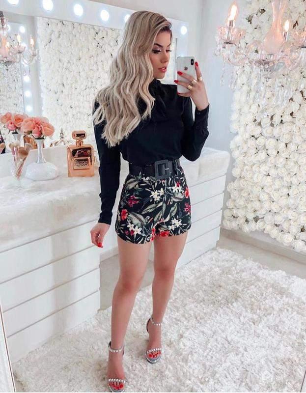 Mariah Chic / Conjunto feminino blusa laço e shorts estampado + brinde