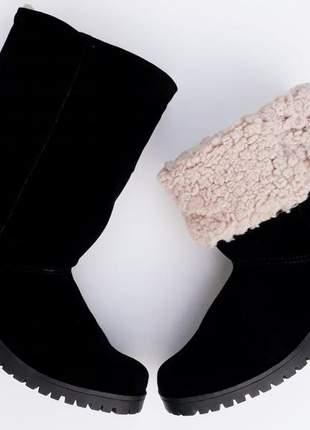 Bota feminina preta forrada com lã salto médio tratorada