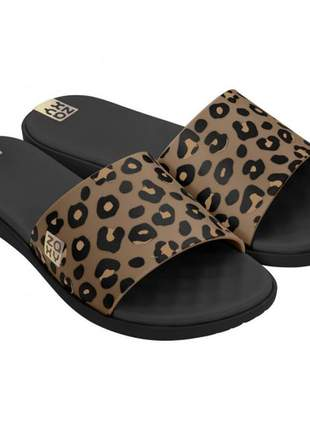 Chinelo zaxy animal print